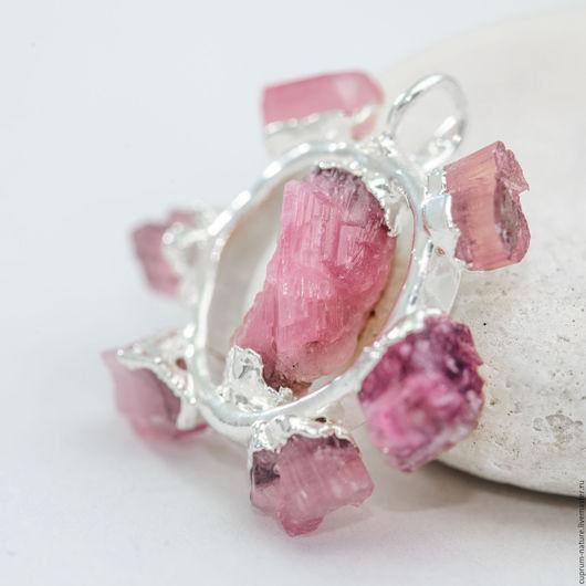 """Кулоны, подвески ручной работы. Ярмарка Мастеров - ручная работа. Купить Кулон """"Pink sun"""" (розовый турмалин, кристаллы). Handmade."""