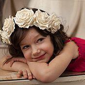 Украшения ручной работы. Ярмарка Мастеров - ручная работа Венок с белыми розами. Handmade.