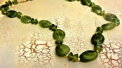 Винтажные украшения. Ярмарка Мастеров - ручная работа. Купить Бусы из нефрита. Handmade. Зеленый, поделочный камень, подарок, натуральный камень