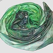 """Аксессуары ручной работы. Ярмарка Мастеров - ручная работа Шелковый шарф с ручной росписью """"Зеленое очарование"""" батик. Handmade."""