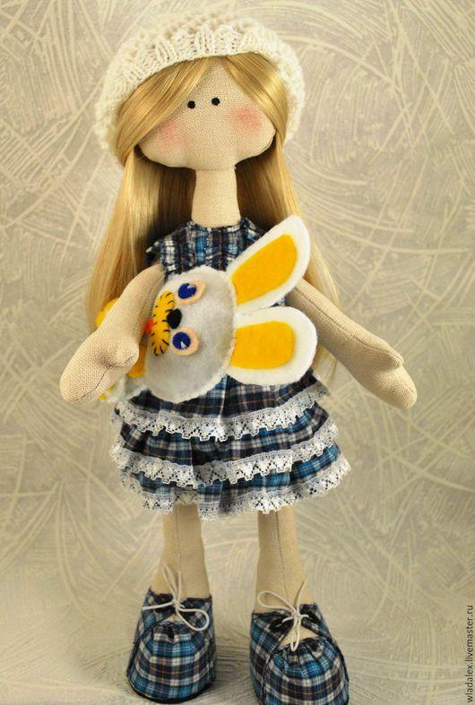 Коллекционные куклы ручной работы. Ярмарка Мастеров - ручная работа. Купить Кукла большеножка в берете, с зайцем. Handmade. Комбинированный, Снежка
