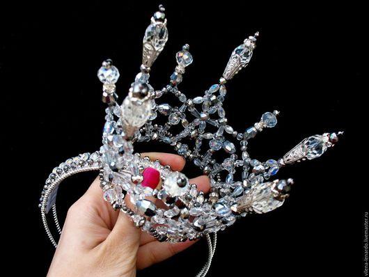 """Свадебные украшения ручной работы. Ярмарка Мастеров - ручная работа. Купить Корона из хрусталя """"Ледяная искра"""". Handmade. Белый"""