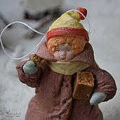Подарки к праздникам ручной работы. Ярмарка Мастеров - ручная работа Ватная елочная игрушка ГОЛОДНЫЙ ЗАХАРКА. Handmade.