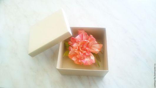 """Броши ручной работы. Ярмарка Мастеров - ручная работа. Купить брошь-зажим """"Эмилия"""". Handmade. Коралловый, роза, брошь с розой"""