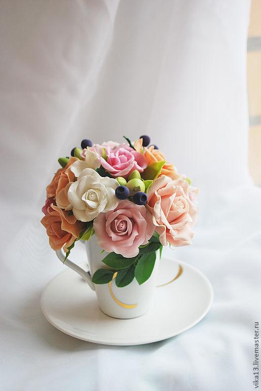 """Интерьерные композиции ручной работы. Ярмарка Мастеров - ручная работа. Купить букетик """" Чашечка роз и черники"""". Handmade."""