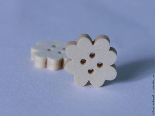 """Пуговица деревянная """"Клевер""""  Размер 14х14 мм  Стоимость - 5 руб./шт."""
