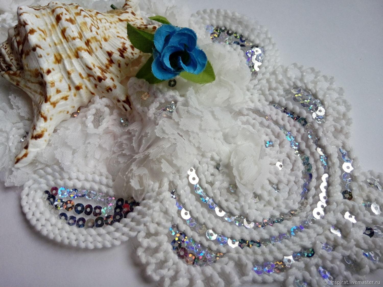 Вышитая вставка с пайетками для декора одежды, белая, 320 х 300 мм, Аппликации, Вологда,  Фото №1