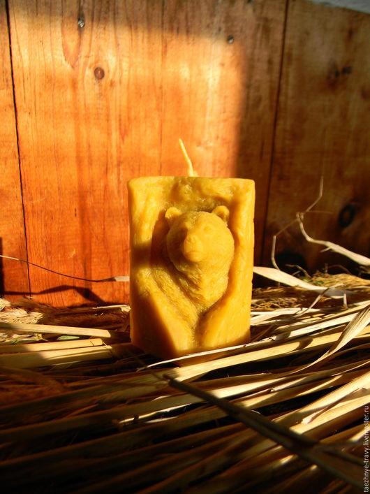 """Свечи ручной работы. Ярмарка Мастеров - ручная работа. Купить Свеча из натурального пасечного пчелиного воска""""Медведь"""". Handmade. Желтый, Медовый"""