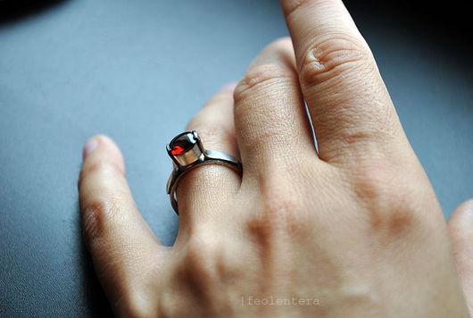 Кольца ручной работы. Ярмарка Мастеров - ручная работа. Купить La Chartreuse de Parme - серебряное кольцо с гранатом (серебро 925). Handmade.