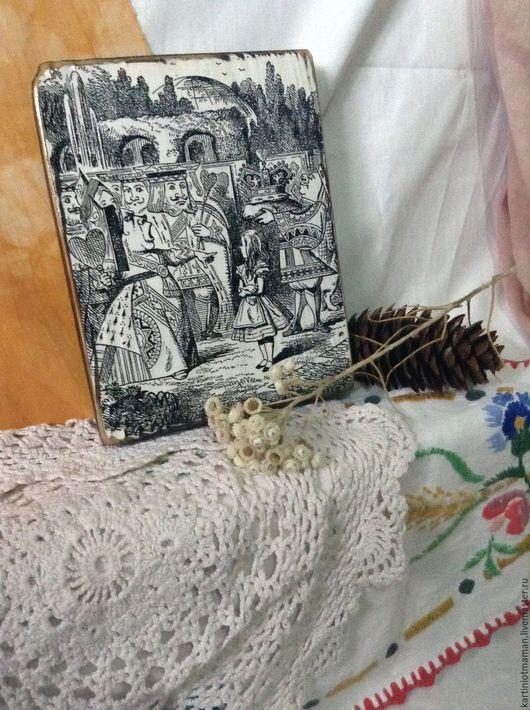 Репродукции ручной работы. Ярмарка Мастеров - ручная работа. Купить Алиса и король.. Handmade. Чёрно-белый, алиса в зазеркалье