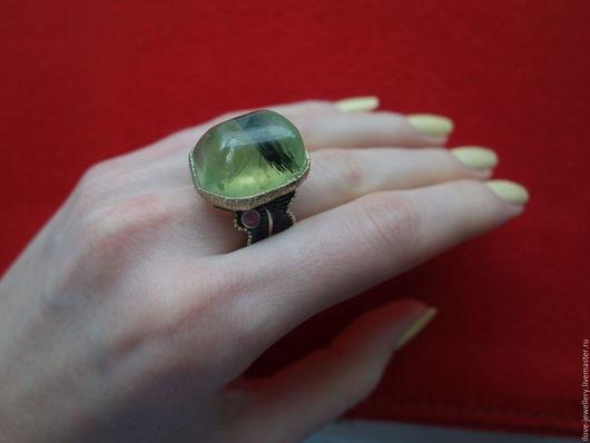"""Кольца ручной работы. Ярмарка Мастеров - ручная работа. Купить """"Франческo""""-впечатляющий серебряный перстень  с турмалиновым пренитом. Handmade. Салатовый"""