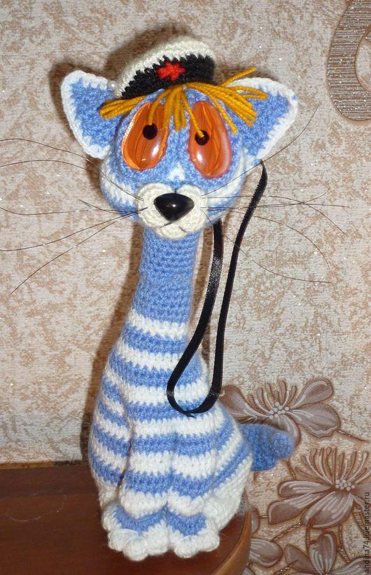 милый котик с ласковыми глазами, сделан из гипоаллергенных материалов, может служить как игрушкой, так и украшением интерьера. Проволочный каркас позволяет менять позу и положение игрушки