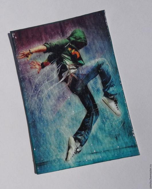 Обложки ручной работы. Ярмарка Мастеров - ручная работа. Купить Кожаная обложка для проездного или социальной карты. Движение. Handmade.