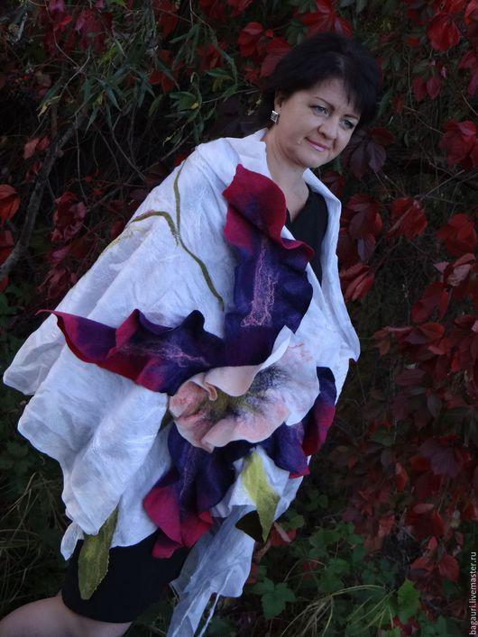 """Шали, палантины ручной работы. Ярмарка Мастеров - ручная работа. Купить Валяный плантин """"Цветок лотоса"""". Handmade. Разноцветный, нарядный"""