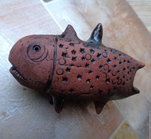 Статуэтки ручной работы. Ярмарка Мастеров - ручная работа. Купить Фигурка из керамики ручной работы.Чёрная глазурь.Рыбка.. Handmade.