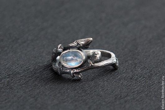 Кольца ручной работы. Ярмарка Мастеров - ручная работа. Купить Кольцо из ветвей с лунным камнем. Handmade. Серебряный, кольцо из ветвей