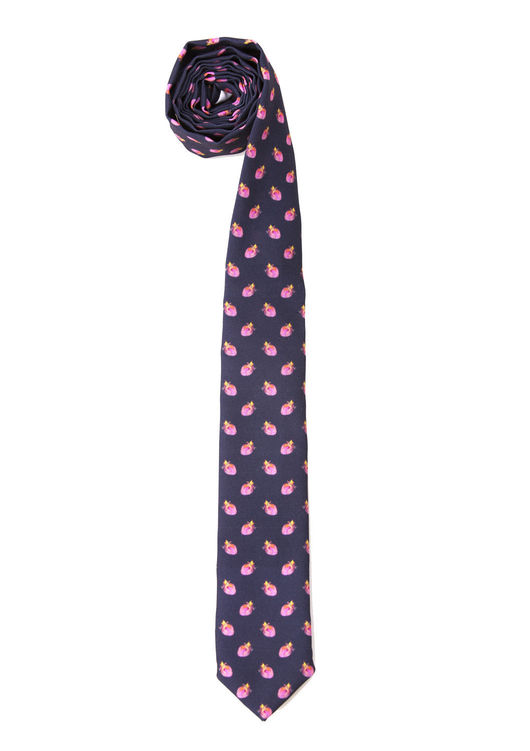 Готовый галстук. Стильный галстук на габардине. Хэнд мэйд работа. Галстук в клубничку. Черный модный галстук на все случаи жизни