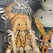 Куклы и игрушки ручной работы. Ярмарка Мастеров - ручная работа Чердачная куколка с зайкой. Handmade.