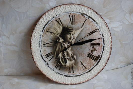 Часы настенные. Декупажная работа.  Купить часы `Храни меня мой ангел` Ярмарка мастеров - ручная работа. Ретро. Подарок на любой случай.