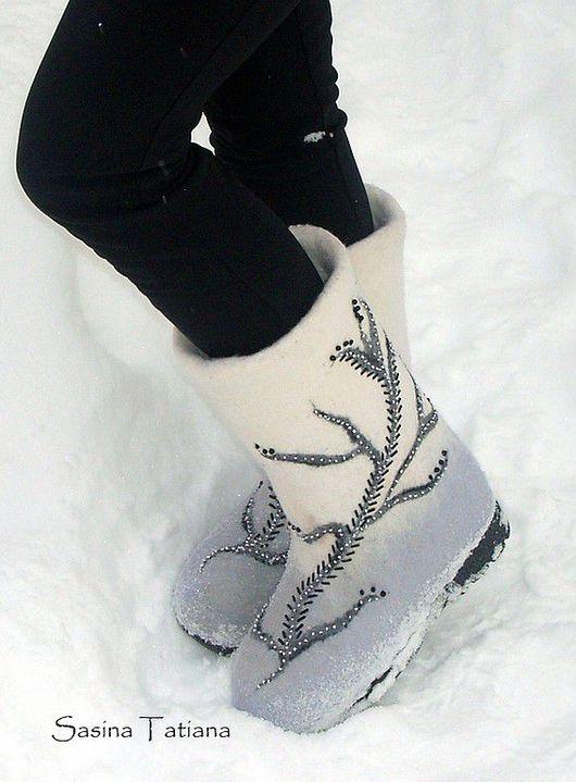 """Обувь ручной работы. Ярмарка Мастеров - ручная работа. Купить валенки """"Вьюга"""". Handmade. Серебряный"""
