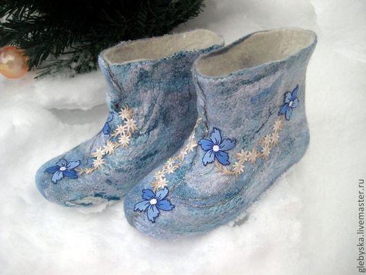 """Обувь ручной работы. Ярмарка Мастеров - ручная работа. Купить Высокие тапочки """"Снежные цветы"""". Handmade. Белый, префельт"""