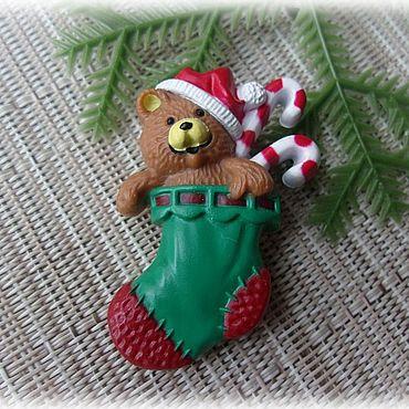 """Винтаж ручной работы. Ярмарка Мастеров - ручная работа Hallmark Брошь """"Мишка Санта-Клаус, подарки"""". Handmade."""