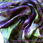 """Аксессуары ручной работы. Ярмарка Мастеров - ручная работа батик платок """"Фиолетово-зеленый"""" тонкий шелк. Handmade."""
