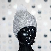 Шапки ручной работы. Ярмарка Мастеров - ручная работа Серая шапка из альпаки с аранами и серым помпоном. Handmade.