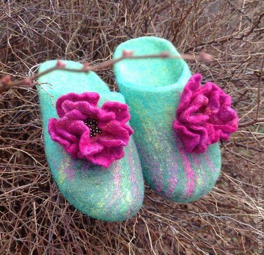 Обувь ручной работы. Ярмарка Мастеров - ручная работа. Купить Тапочки - МЯТНЫЙ ЛУГ. Handmade. Мятный, тапочки из войлока