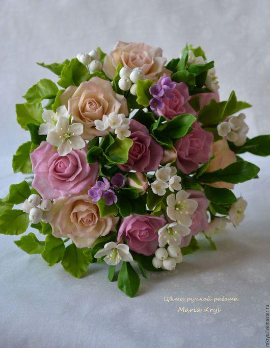 Букеты ручной работы. Ярмарка Мастеров - ручная работа. Купить Букет из роз, цветочков яблони и ягодок. Handmade. Бледно-розовый
