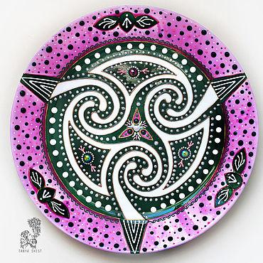 """Посуда ручной работы. Ярмарка Мастеров - ручная работа """"Кельтский узел любви"""" - декоративная тарелка на стену. Handmade."""