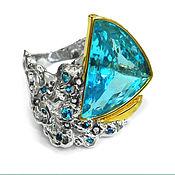 """Кольцо """"Парусник"""" золото белое, с топазом, сапфирами и бриллиантами"""