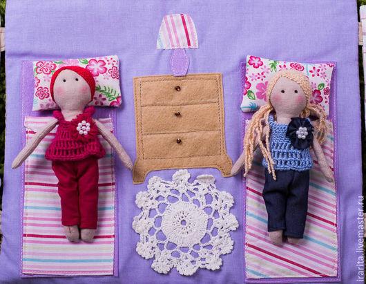 Развивающие игрушки ручной работы. Ярмарка Мастеров - ручная работа. Купить Развивающая сумочка- домик- трансформен с куколками. Handmade. Разноцветный