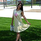 Одежда ручной работы. Ярмарка Мастеров - ручная работа Дизайнерское яркое платье с воланом. Желтое/ розовое платье с принтом. Handmade.