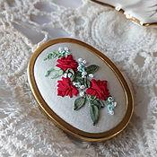 Брошь-булавка ручной работы. Ярмарка Мастеров - ручная работа Брошь с вышивкой Roses немецкая. Handmade.