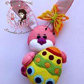 Куклы и игрушки ручной работы. Ярмарка Мастеров - ручная работа Зайка - универсальный подарок. Handmade.