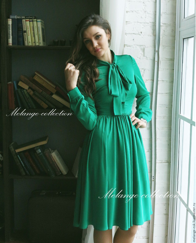 Платья зеленые с бантами