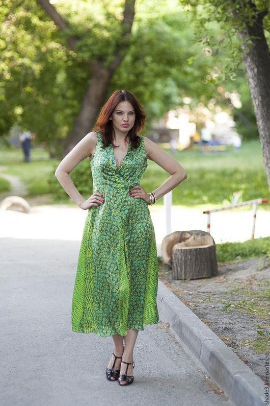 Платья ручной работы. Ярмарка Мастеров - ручная работа. Купить Платье шелковое изумрудное. Handmade. Зеленый, шелк, платье длинное