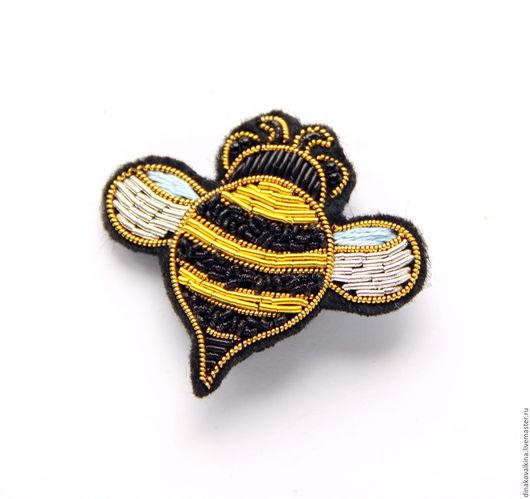 """Броши ручной работы. Ярмарка Мастеров - ручная работа. Купить Брошь """"Пчелка """" ручная вышивка .. Handmade. Разноцветный"""