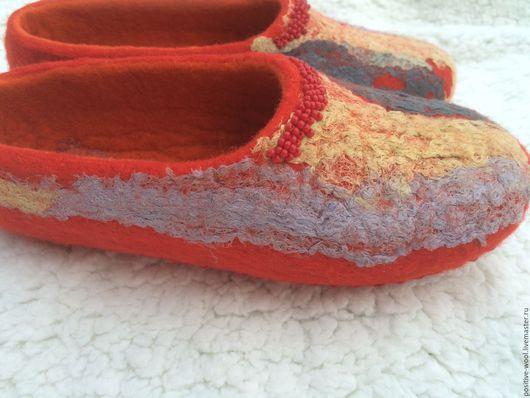 Обувь ручной работы. Ярмарка Мастеров - ручная работа. Купить Тапочки войлочные. Handmade. Ярко-красный, тапочки домашние