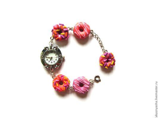 Часы ручной работы. Ярмарка Мастеров - ручная работа. Купить Наручные розовые часы «Пончики». Handmade. Наручные часы