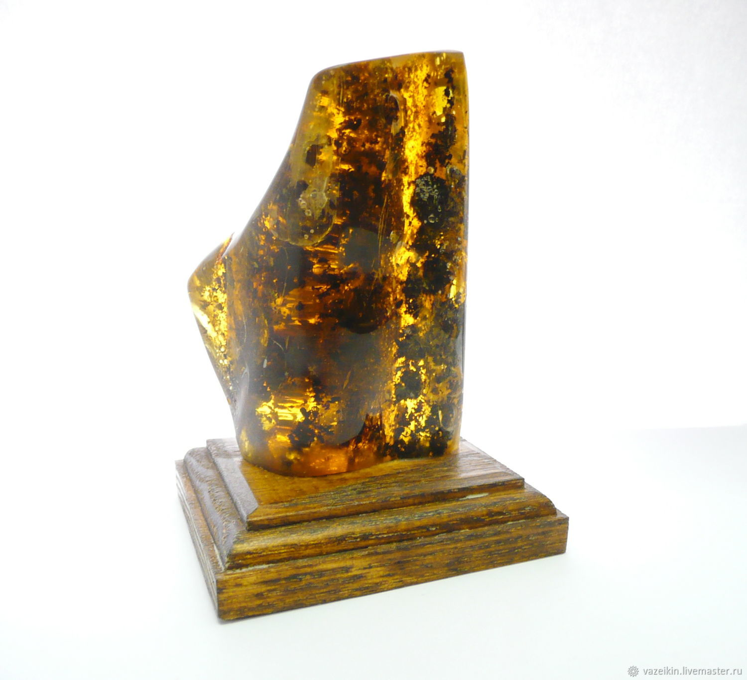 Amber with inclusions on PD-95 stand, Icons, Svetlogorsk,  Фото №1