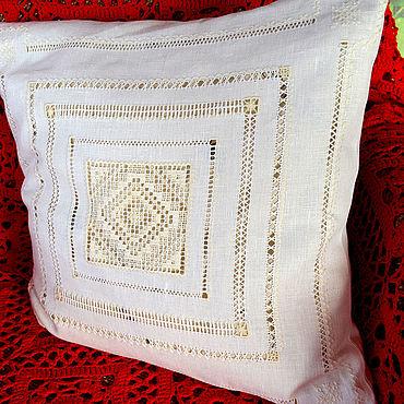 Для дома и интерьера ручной работы. Ярмарка Мастеров - ручная работа Наволочка, белый лён, ручная строчевая вышивка. Handmade.