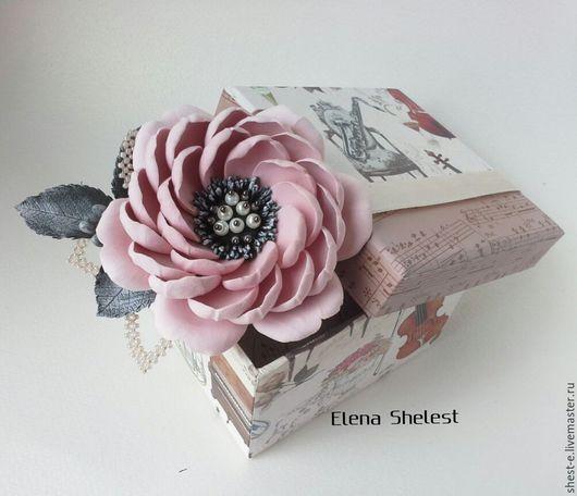 """Броши ручной работы. Ярмарка Мастеров - ручная работа. Купить Брошь """"Камелия"""" в пепельно-розом цвете.. Handmade. Бледно-розовый"""