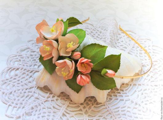 Диадемы, обручи ручной работы. Ярмарка Мастеров - ручная работа. Купить Ободок с яблоневым цветом.. Handmade. Белый, реалистичные цветы