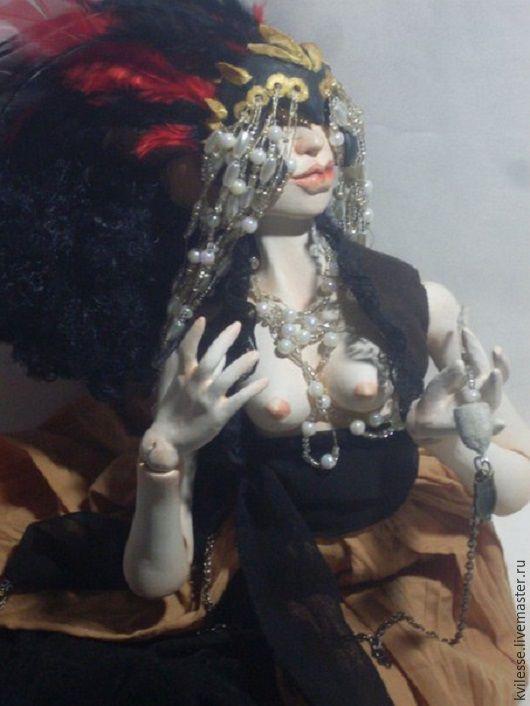 Коллекционные куклы ручной работы. Ярмарка Мастеров - ручная работа. Купить Эльвира Великая, Госпожа Суккуб. Handmade. Золотой, черный