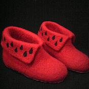 Обувь ручной работы. Ярмарка Мастеров - ручная работа Тапочки валяные красные выполнены на заказ. Handmade.