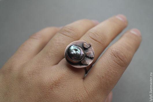 """Кольца ручной работы. Ярмарка Мастеров - ручная работа. Купить кольцо """"Ночные мотыльки"""". Handmade. Черный, бабочки, жемчуг бива"""