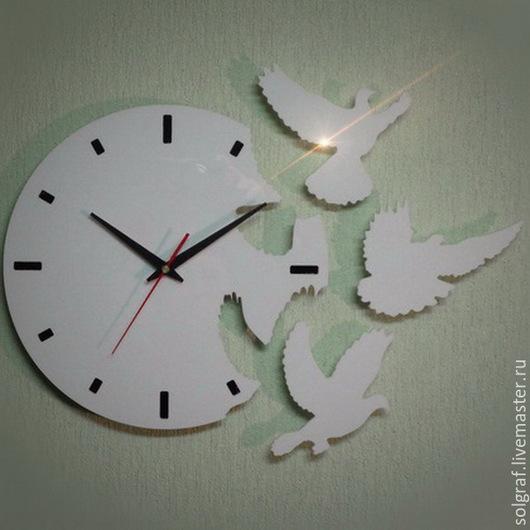 """Часы для дома ручной работы. Ярмарка Мастеров - ручная работа. Купить Часы """"Голуби"""". Handmade. Часы настенные, часы для девушки"""