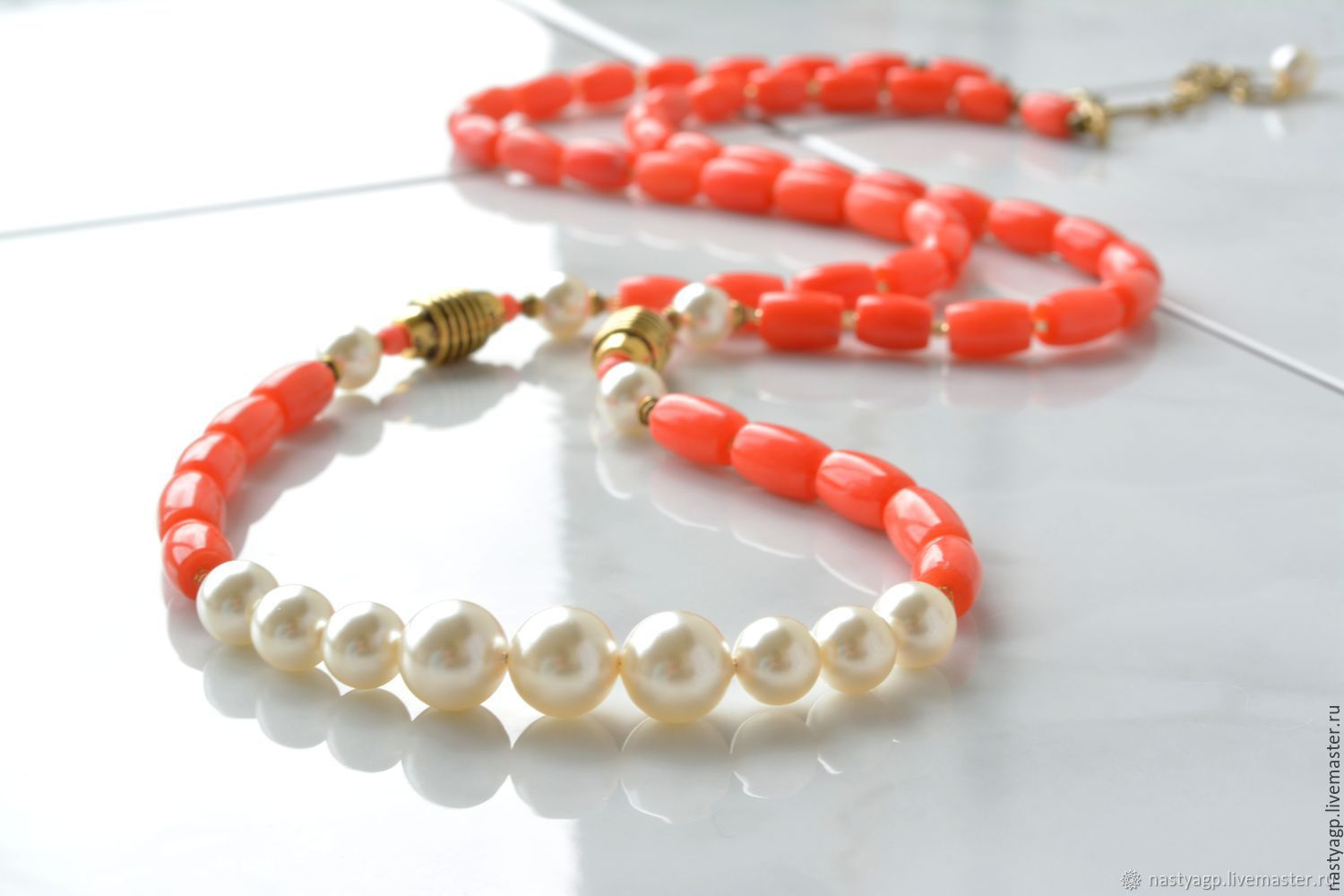 Long coral beads Sunset on Santorini, Necklace, Moscow, Фото №1